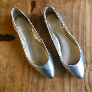 Nine West Silver Pointy Toe Ballet Flats